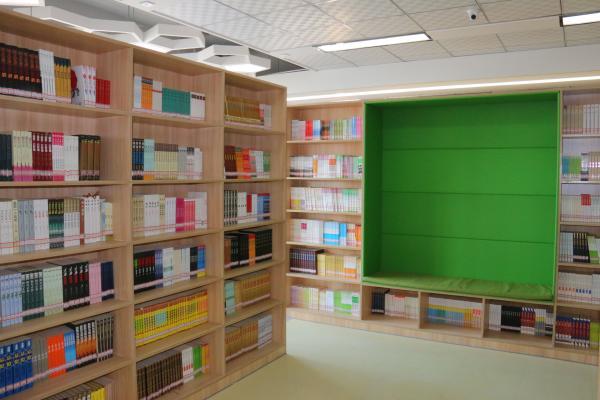便于阅读的图书馆