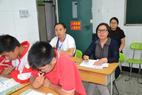 郑州市教育督导室对郑州31·103中