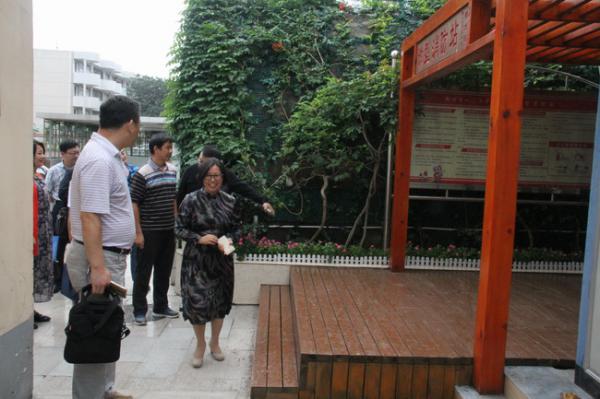 以严谨保安全 郑州市教育局安全检查组到郑州31、103中指导