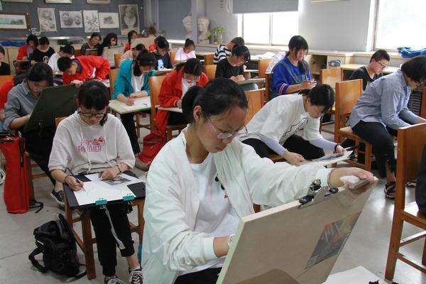 学生参加测试 (2).jpg